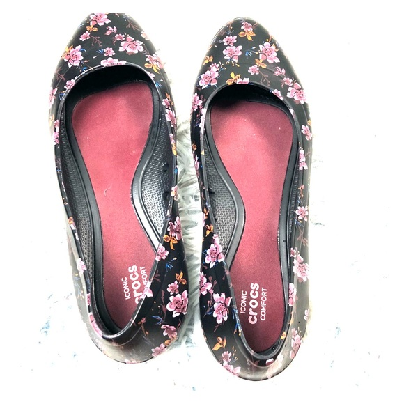 CROCS Shoes Floral Patterned Lina Graphic Flat Size 60 Poshmark Beauteous Patterned Crocs